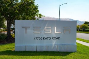 Tesla Increased the Prices for Solar Roof Tile Drastically